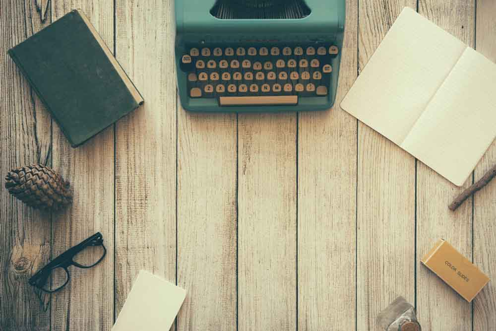 typewriter-adrian-silisque